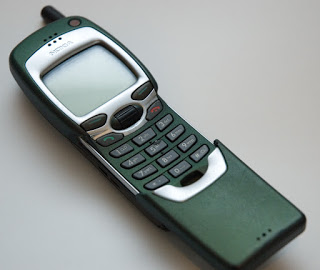 Image of a Nokia 7110 Mobile Phone.